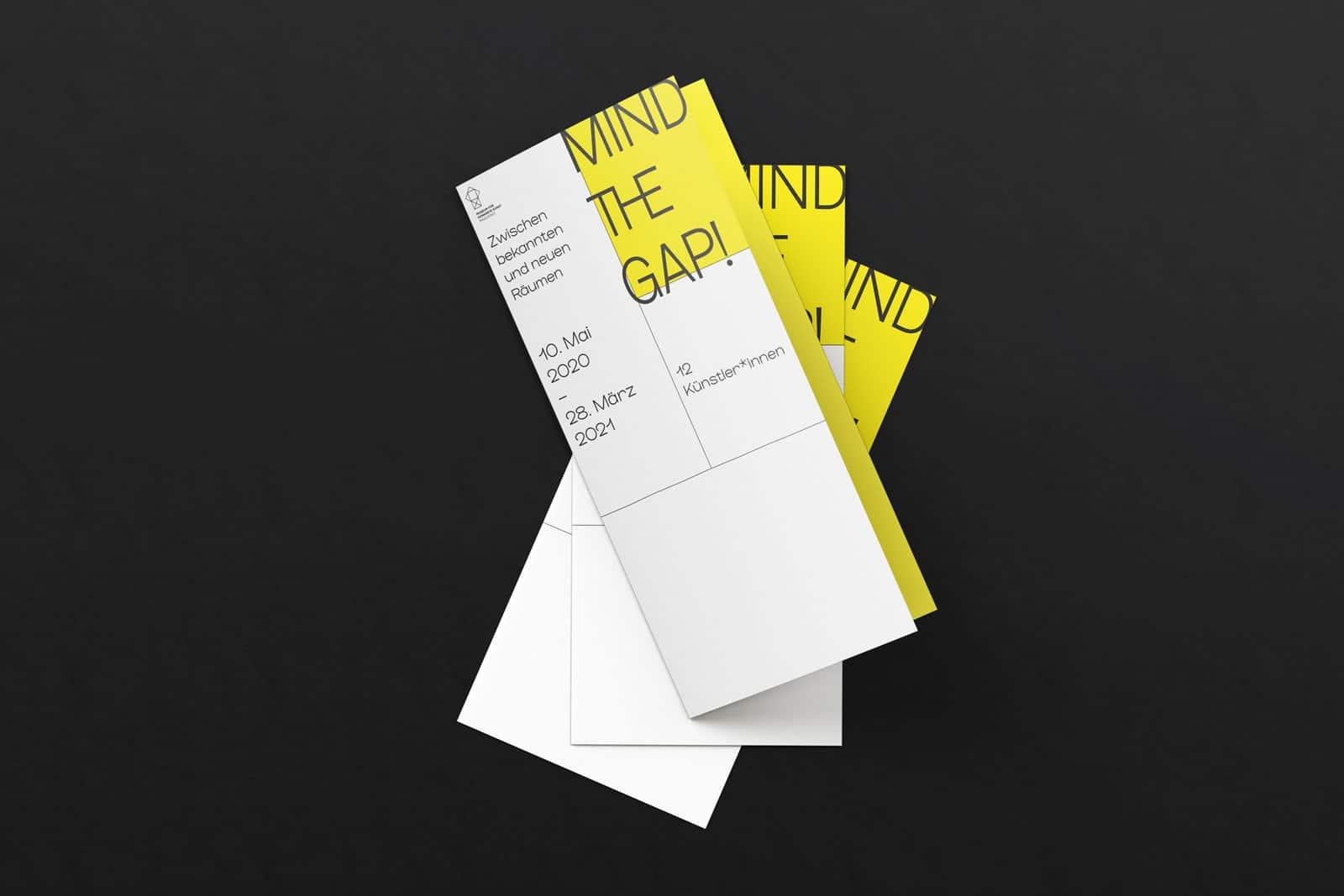 Design Flyer für die Ausstellung Mind the Gap